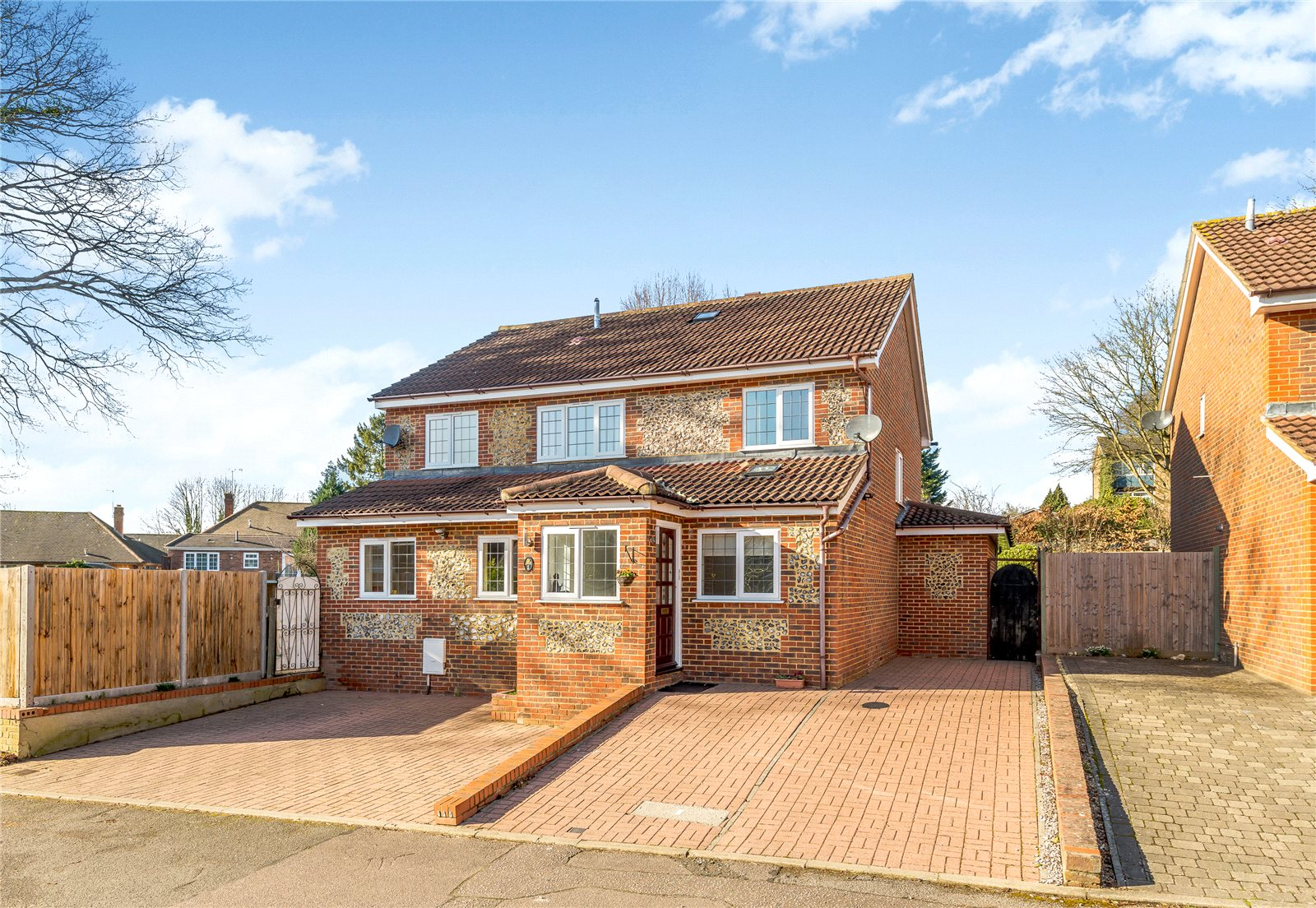 Single Family Home for Sale at Newland Close, St. Albans, Hertfordshire, AL1 St Albans, England