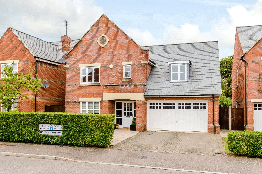 Single Family Home for Sale at Rosemary Drive, Napsbury Park, St. Albans, Hertfordshire, AL2 St Albans, England