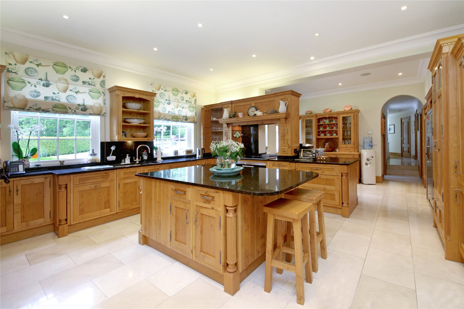 Additional photo for property listing at Coronation Road, Ascot, Berkshire, SL5 Ascot, 英格蘭