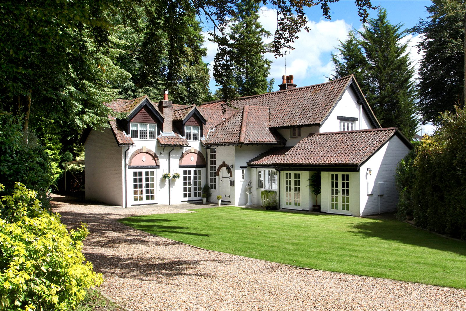 Villa per Vendita alle ore Grant Walk, Sunningdale, Ascot, Berkshire, SL5 Ascot, Inghilterra