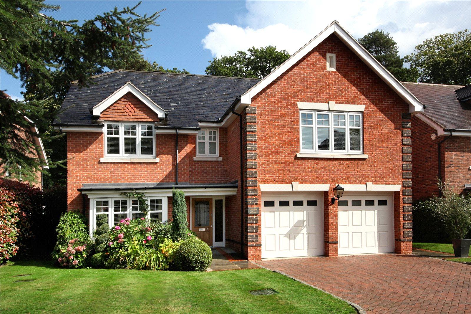 Einfamilienhaus für Verkauf beim Chapel Pines, Camberley, Surrey, GU15 Camberley, England