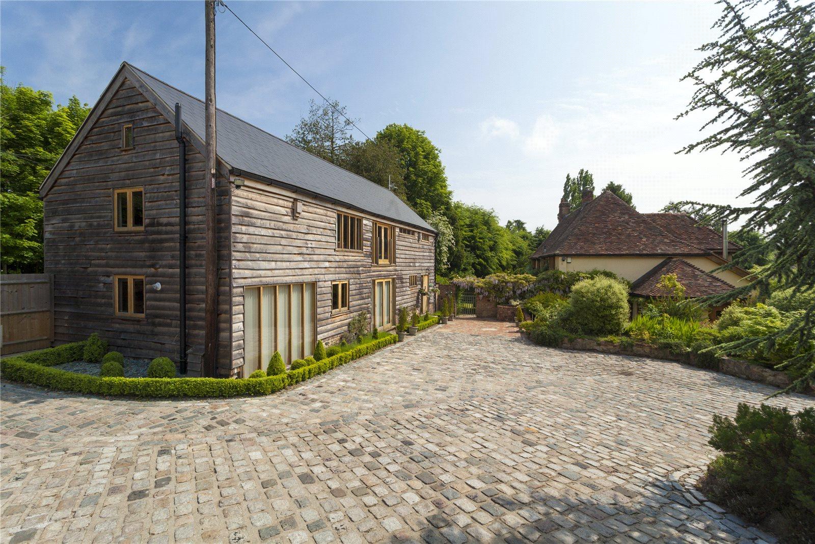 Additional photo for property listing at Mill House Lane, Addington,West Malling, Nr Sevenoaks, Kent, ME19 Kent, Ingiltere