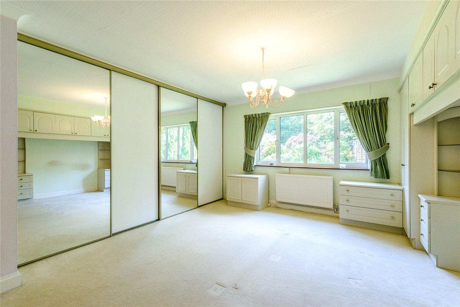 Additional photo for property listing at Snows Ride, Windlesham, Surrey, GU20 Windlesham, Angleterre