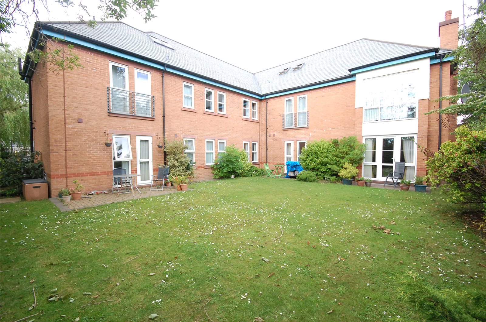 2 Bedrooms Apartment Flat for sale in Holmefield Road, Aigburth, Liverpool, L19