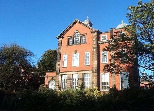 2 Bedrooms Apartment Flat for sale in Springhill Court, Wavertree, Liverpool, L15