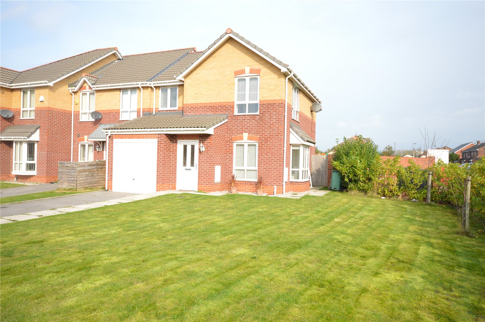 3 Bedrooms End Of Terrace House for sale in Carpathia Close, Garston, Liverpool, L19