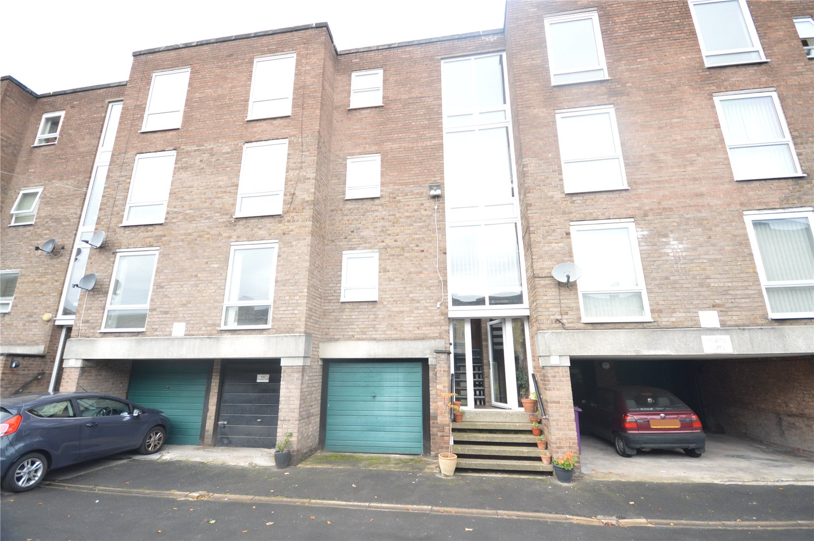 1 Bedroom Apartment Flat for sale in Grassendale Court, Grassendale, Liverpool, L19
