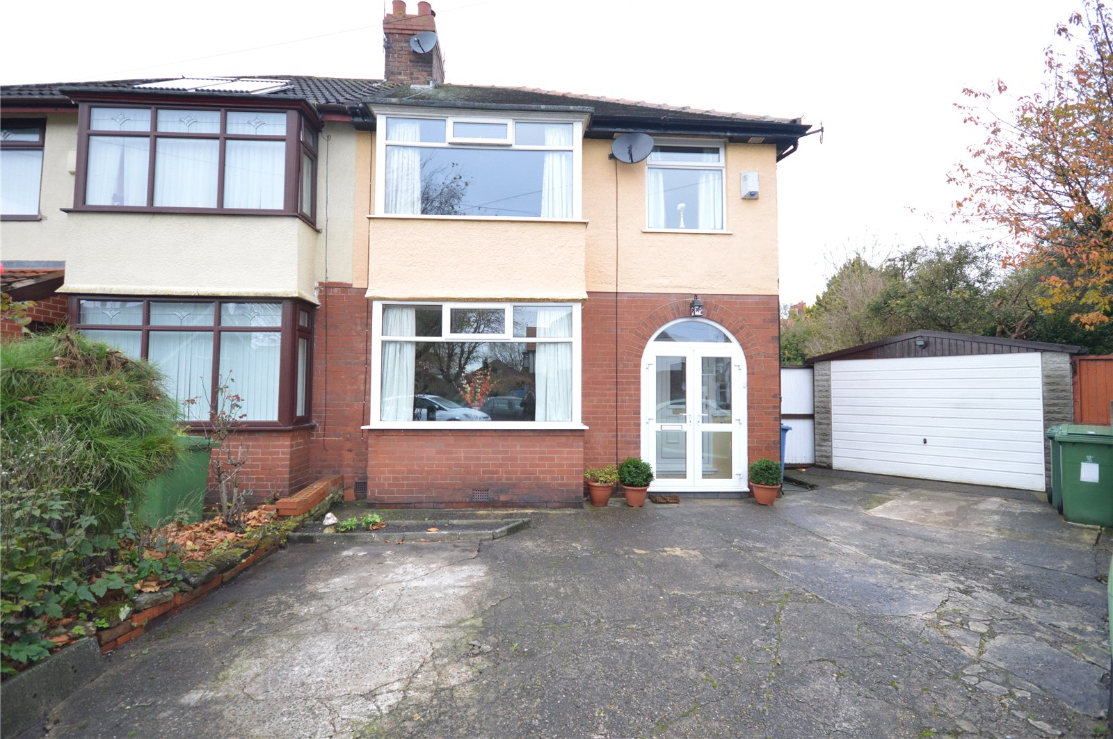 3 Bedrooms Semi Detached House for sale in Bowfield Road, Grassendale, Liverpool, L19
