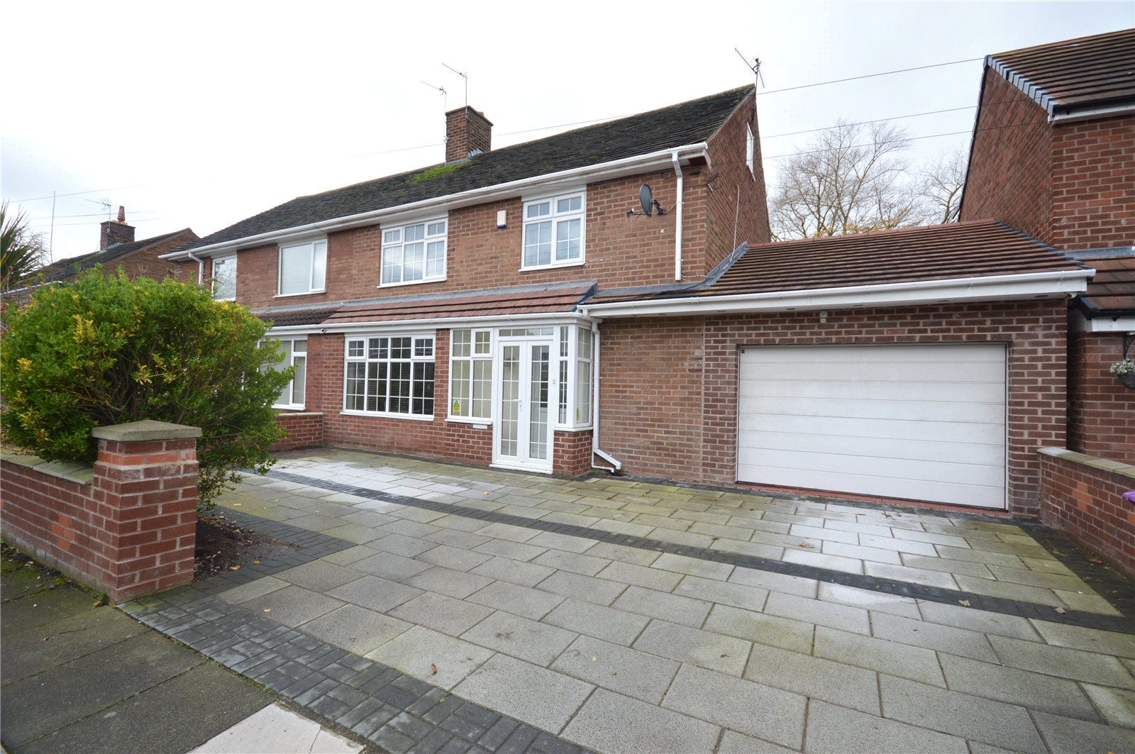 4 Bedrooms Semi Detached House for sale in Greenleigh Road, Mossley Hill, Liverpool, L18
