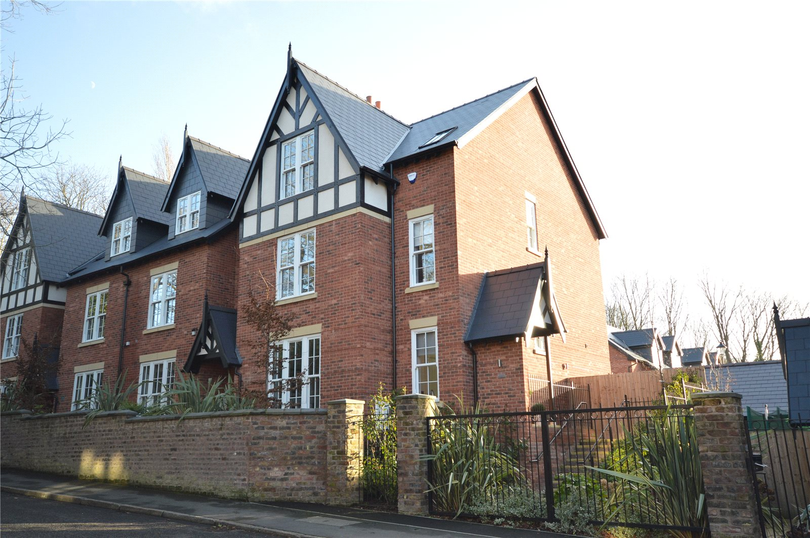 5 Bedrooms End Of Terrace House for sale in Carnatic Road, Mossley Hill, Liverpool, L18