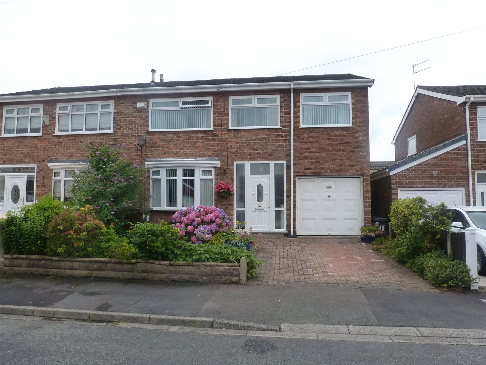 4 Bedrooms Semi Detached House for sale in Monmouth Drive, Liverpool, Merseyside, L10