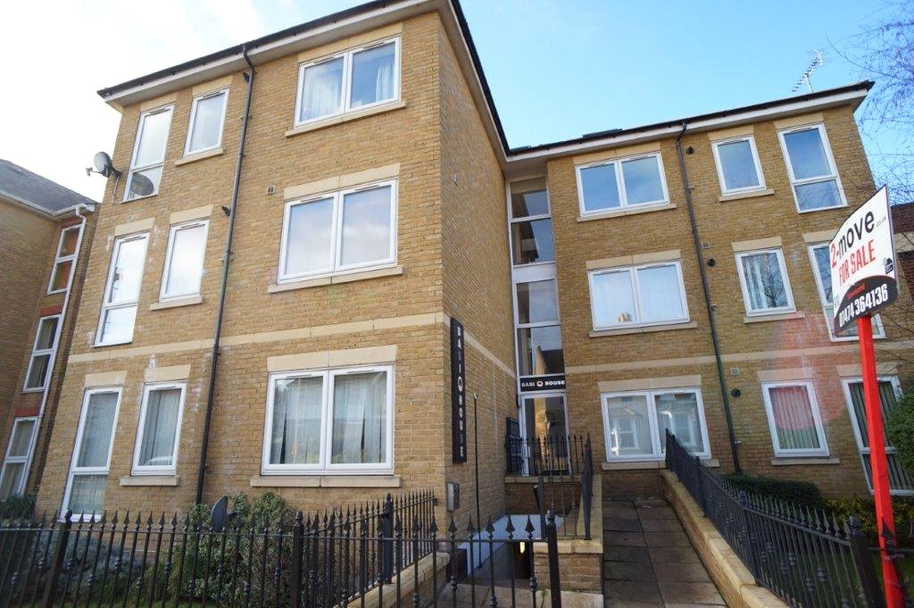 2 Bedrooms Flat for sale in Basi House, Wrotham Road, Gravesend, Kent, DA11