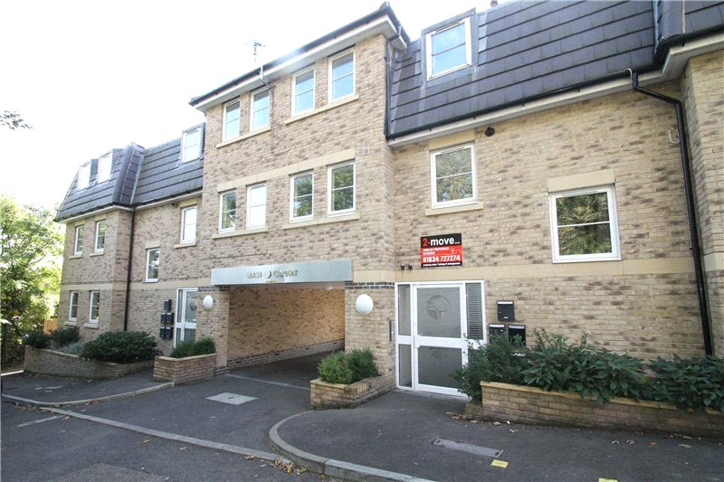 2 Bedrooms Flat for sale in Basi Court, 1 Dunnings Lane, Rochester, Kent, ME1
