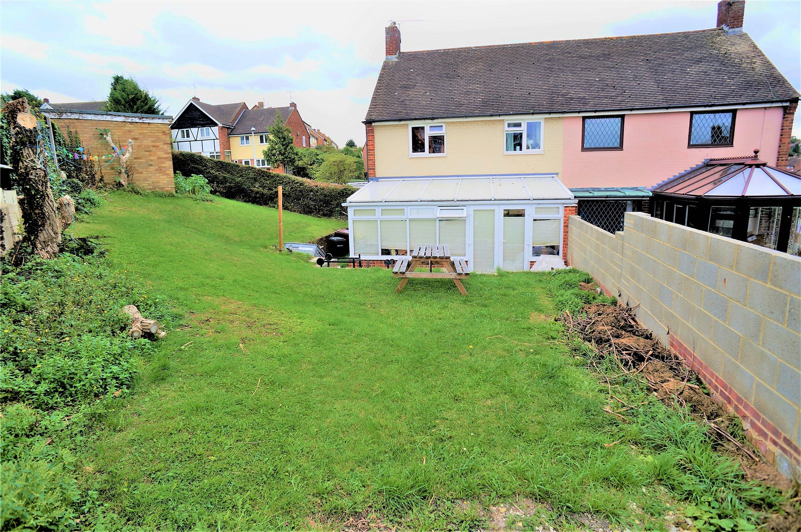 3 Bedrooms Semi Detached House for sale in Hazel Grove, Chatham, Kent, ME5