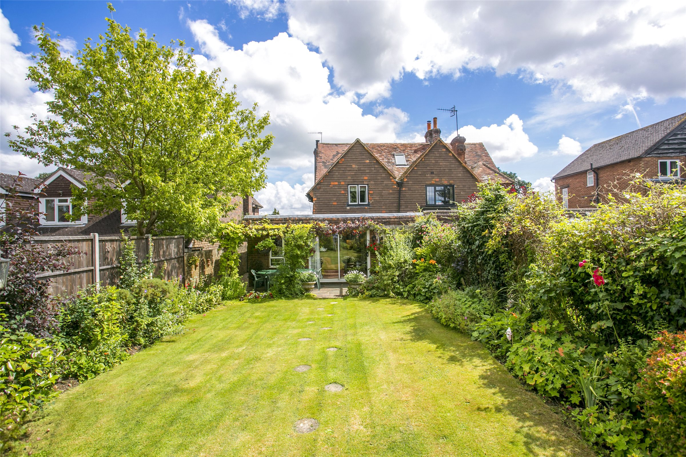 3 Bedrooms Semi Detached House for sale in The Street, Capel, Dorking, Surrey, RH5