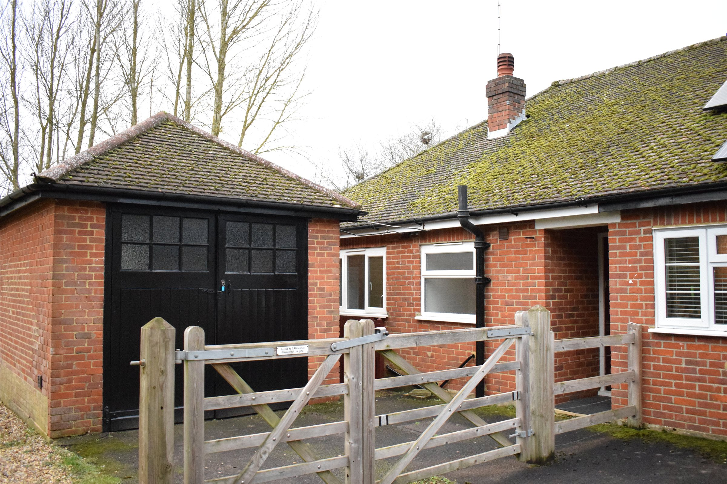 2 Bedrooms Semi Detached Bungalow for sale in Rhinelands, Station Road, Betchworth, Surrey, RH3