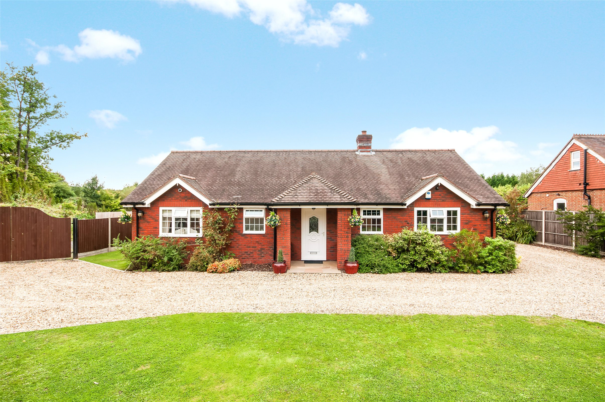 3 Bedrooms Detached Bungalow for sale in Coles Lane, Capel, Dorking, Surrey, RH5