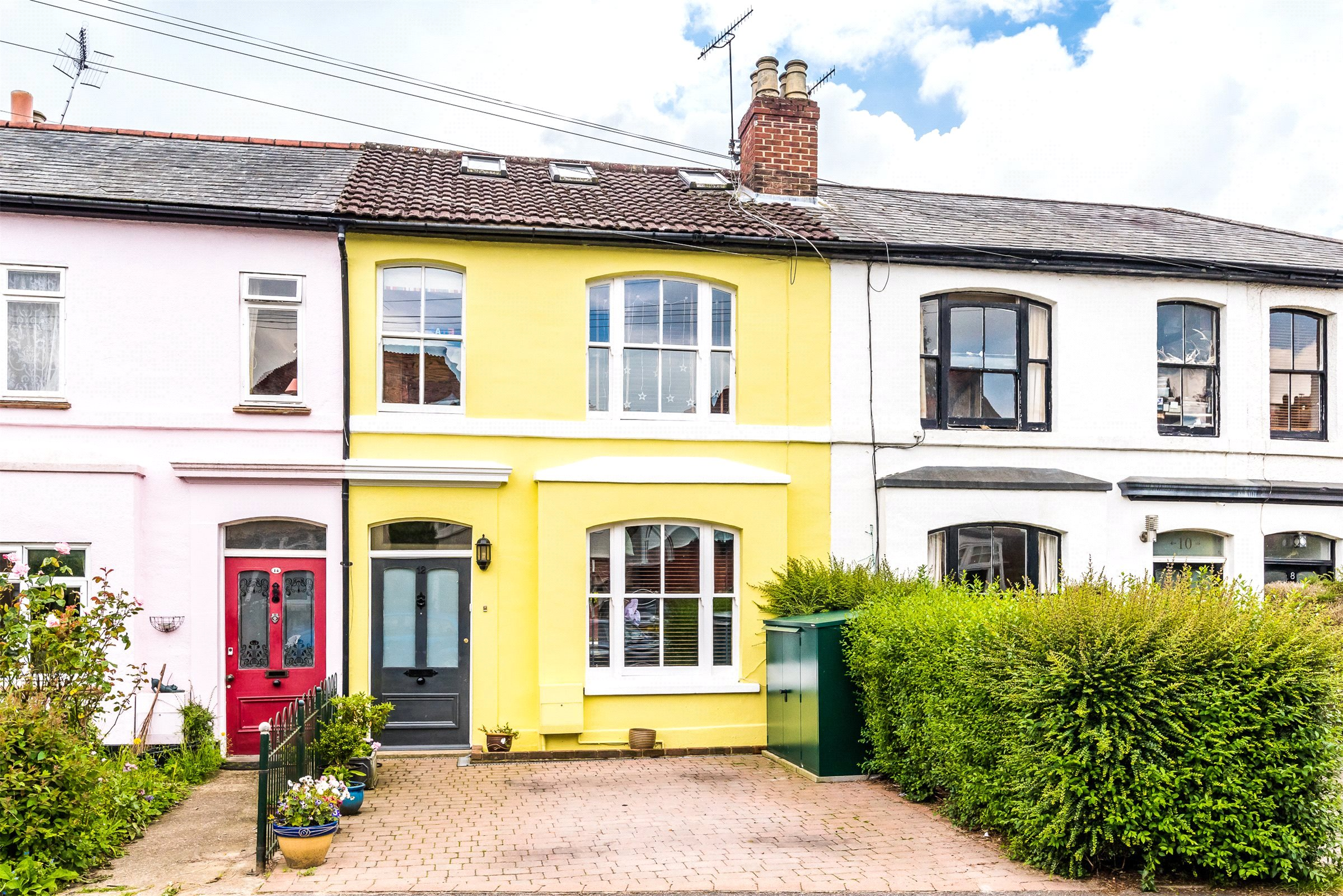 4 Bedrooms Terraced House for rent in Warren Road, Reigate, Surrey, RH2