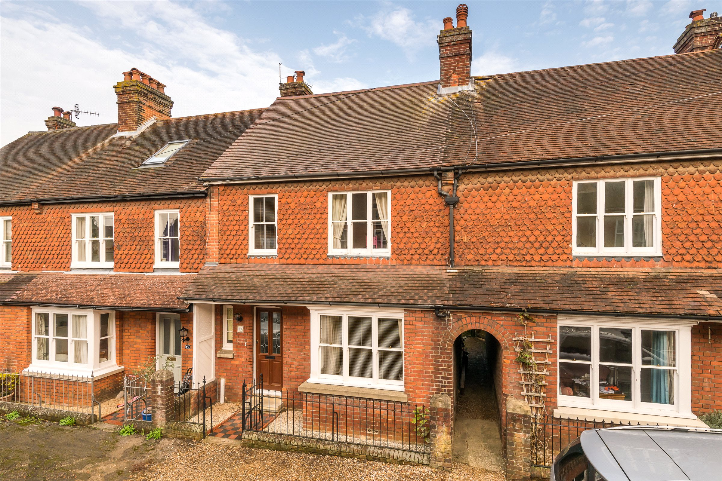 3 Bedrooms Terraced House for sale in Ledbury Road, Reigate, Surrey, RH2