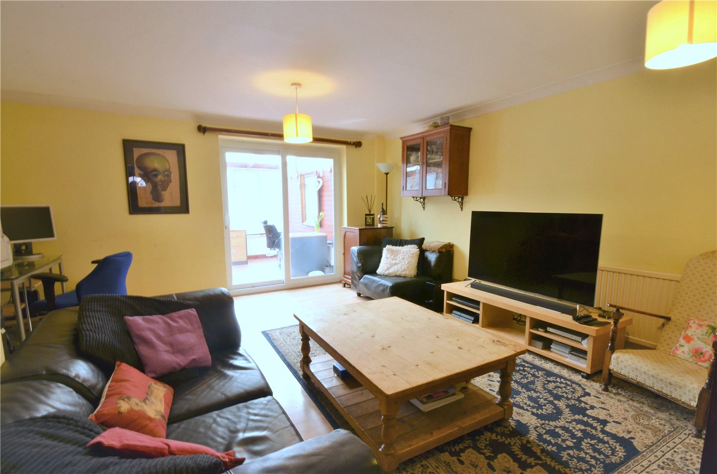 3 Bedrooms Semi Detached House for sale in Greenside, Borehamwood, Hertfordshire, WD6