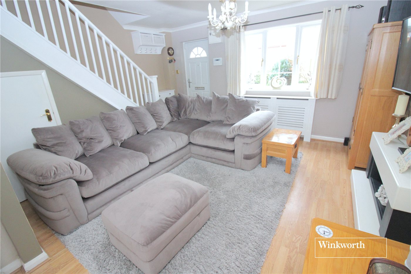 3 Bedrooms End Of Terrace House for sale in Siskin Close, Borehamwood, Hertfordshire, WD6