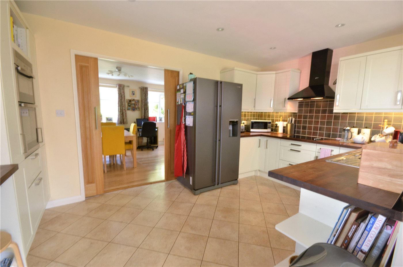 3 Bedrooms End Of Terrace House for sale in Goldfinch Way, Borehamwood, Hertfordshire, WD6