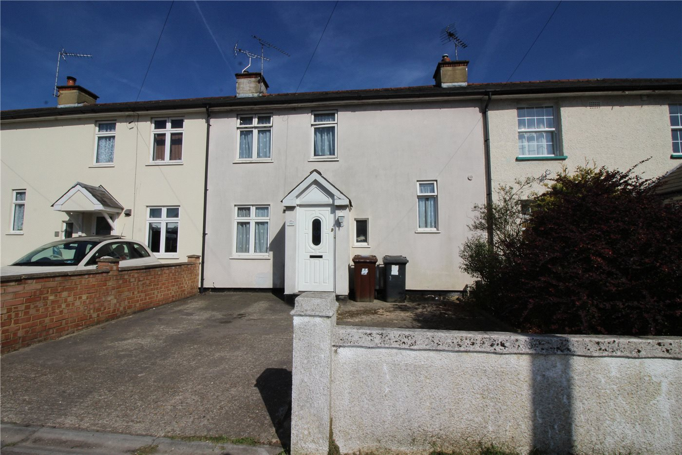 3 Bedrooms Terraced House for sale in Shenley Road, Borehamwood, Hertfordshire, WD6