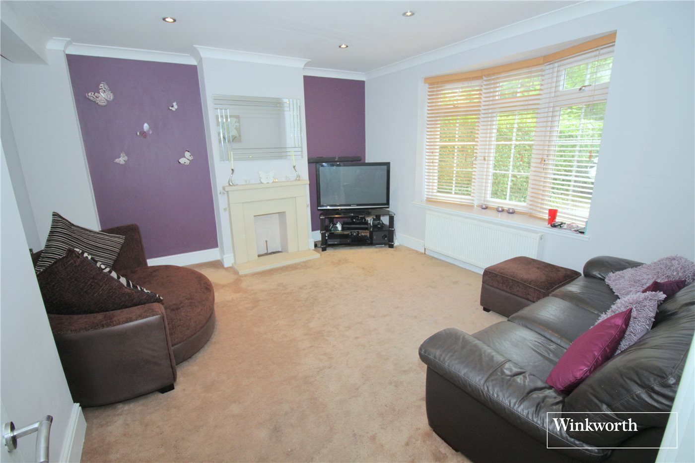 4 Bedrooms Semi Detached House for sale in Furzehill Road, Borehamwood, Hertfordshire, WD6
