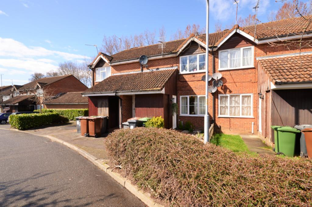 1 Bedroom Maisonette Flat for sale in Danziger Way, Borehamwood, Hertfordshire, WD6