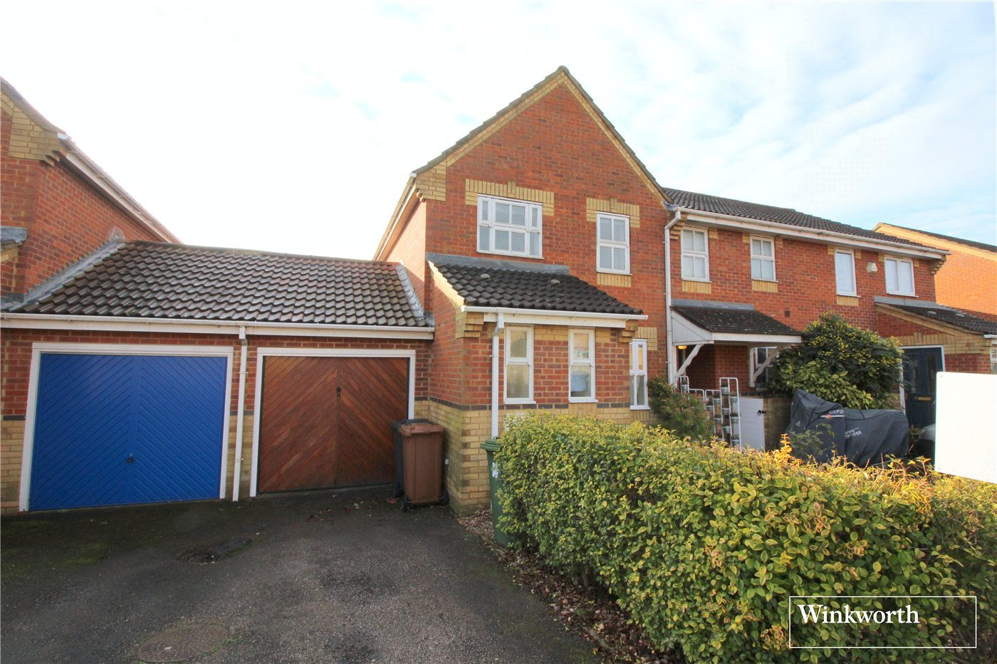 3 Bedrooms Terraced House for sale in Rutherford Close, Borehamwood, Hertfordshire, WD6