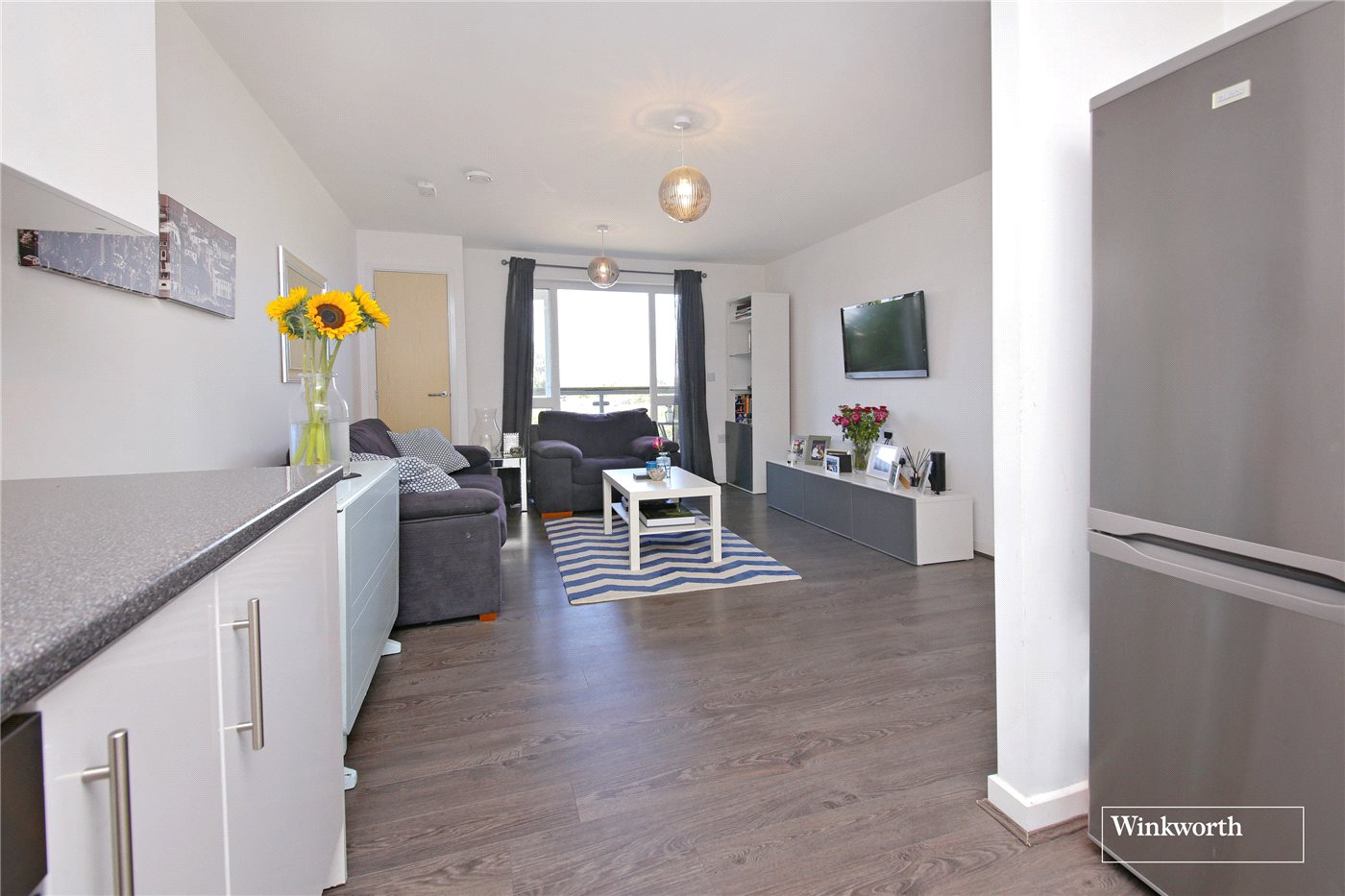2 Bedrooms Flat for sale in Lockwood Court, Todd Close, Borehamwood, Hertfordshire, WD6