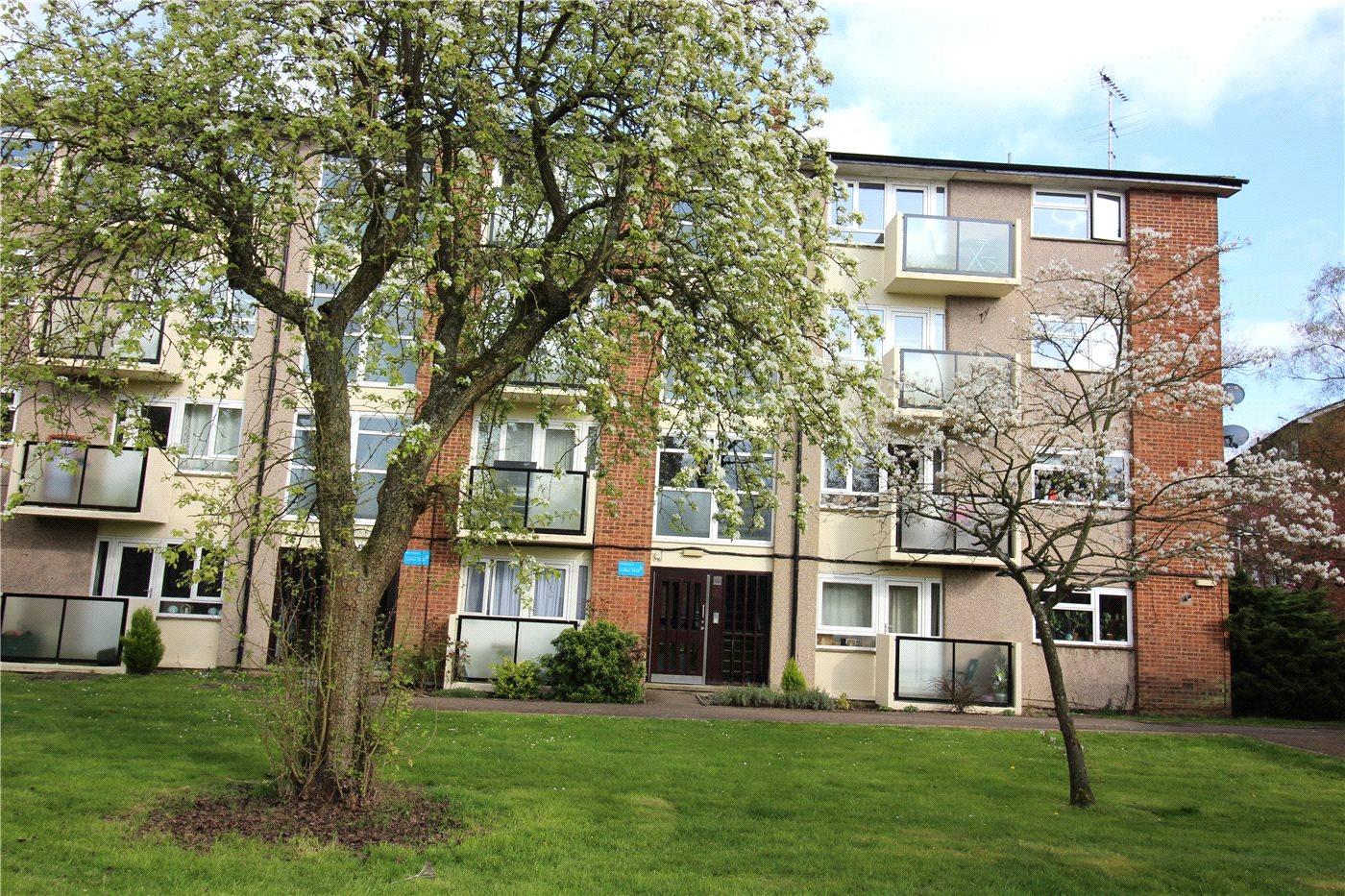2 Bedrooms Flat for sale in Hawksmoor, Harris Lane, Shenley, Radlett, WD7