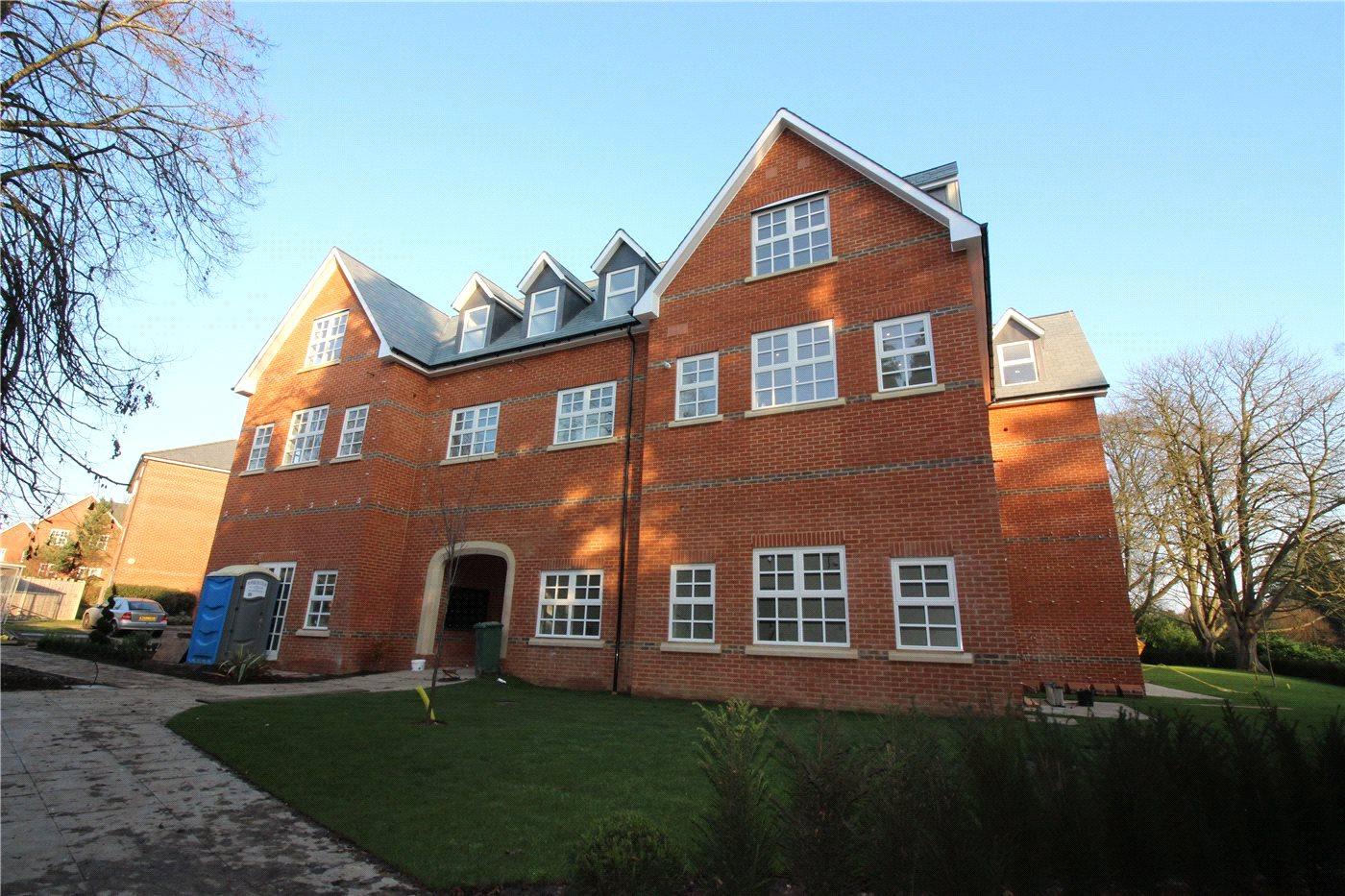 2 Bedrooms Flat for sale in Goldring Court, Napsbury Park, St Albans, AL2