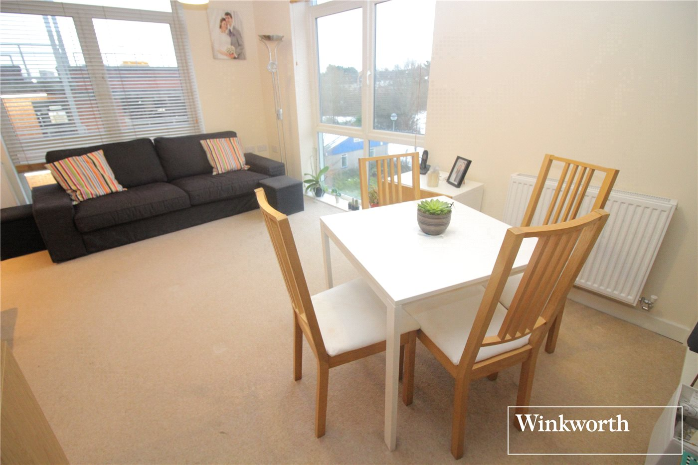 1 Bedroom Flat for sale in Foster House, Maxwell Road, Borehamwood, Hertfordshire, WD6
