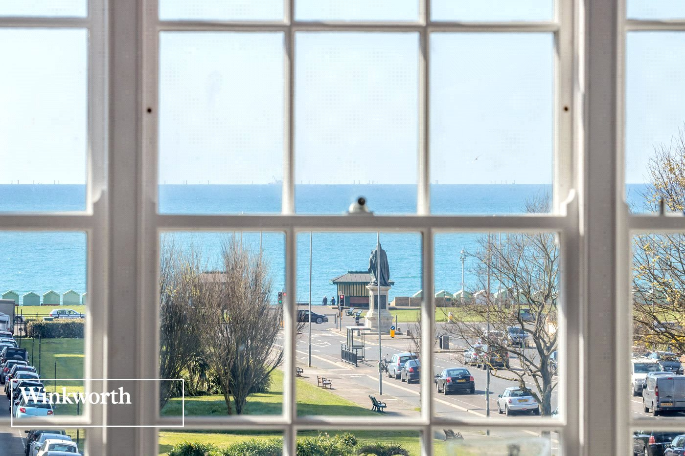 3 Bedrooms Flat for sale in Grand Avenue, Hove, BN3