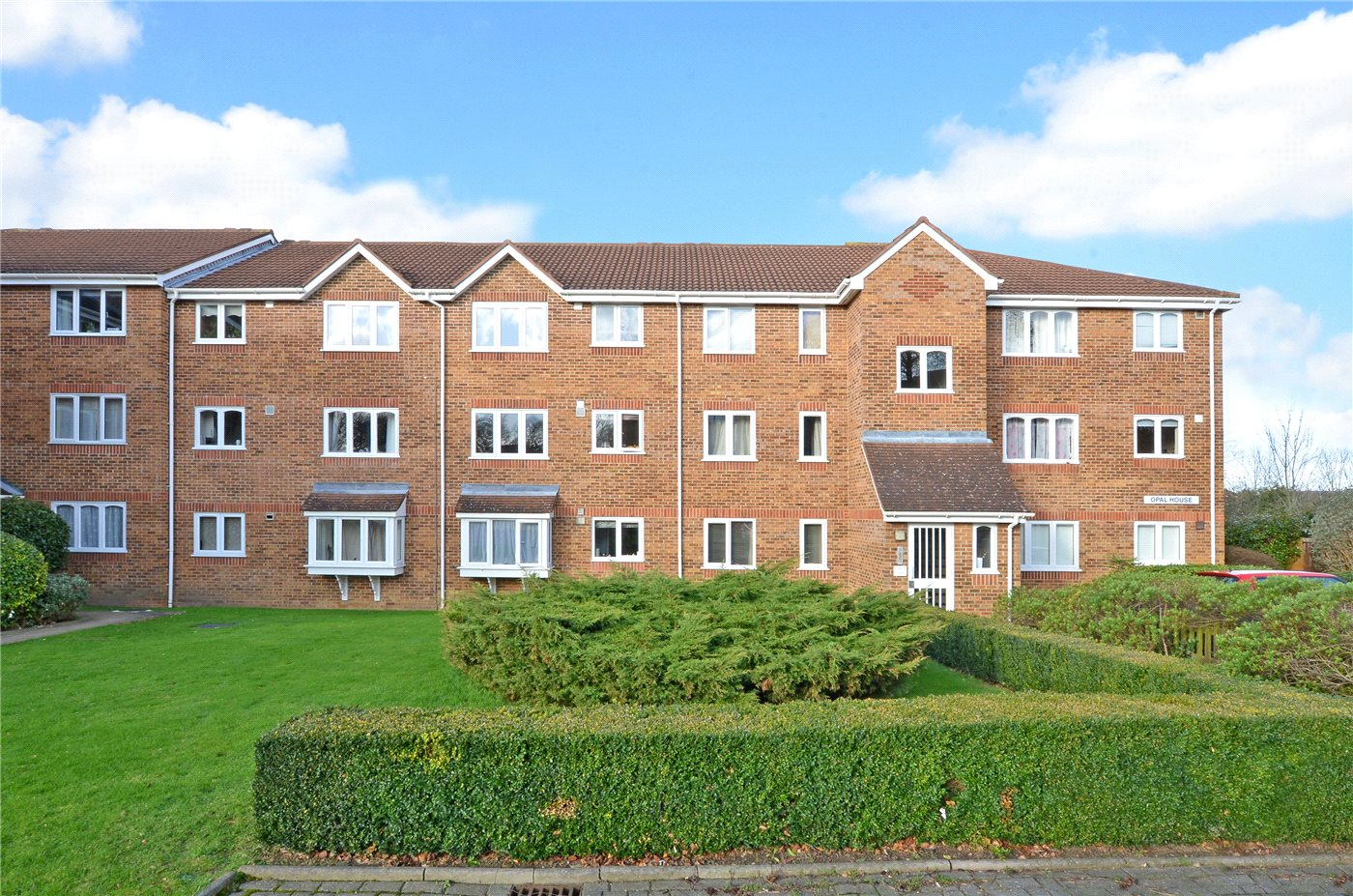 1 Bedroom Flat for sale in Opal House, Percy Gardens, Worcester Park, KT4