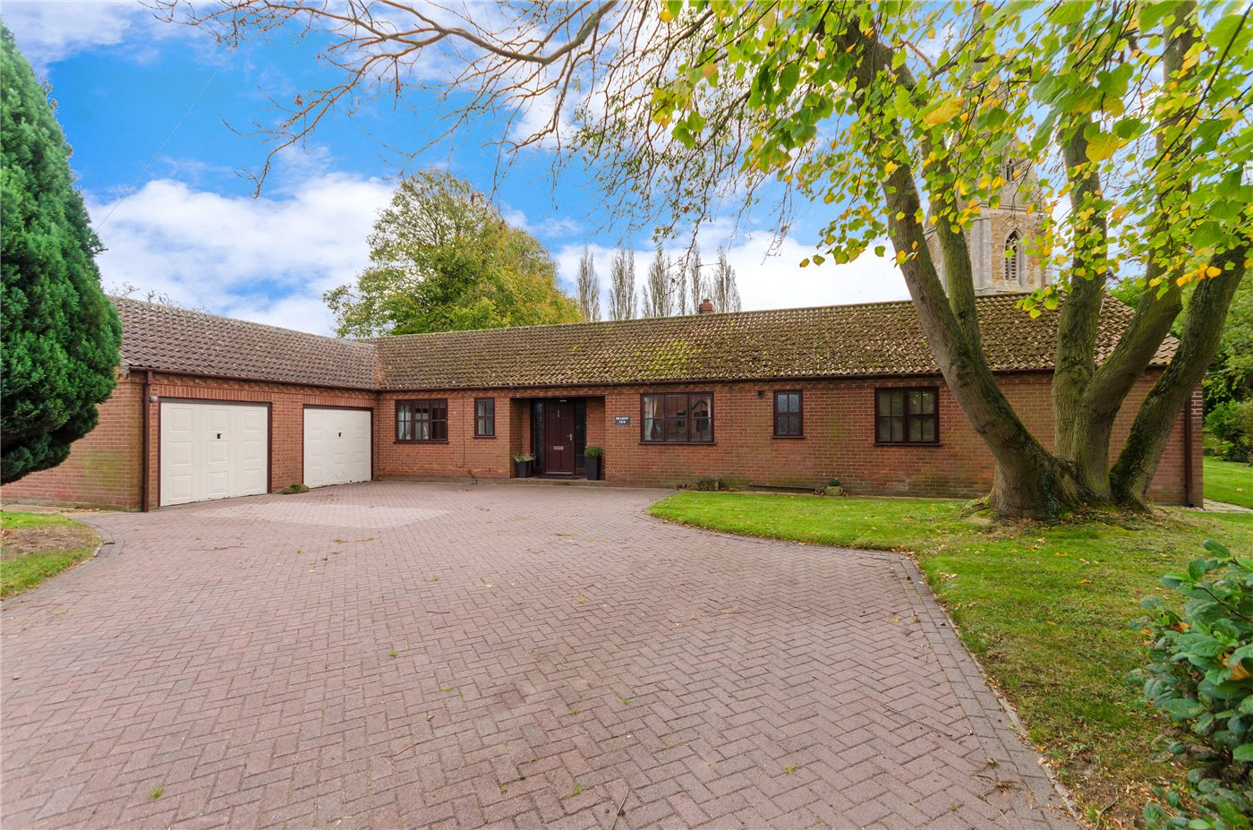 4 Bedrooms Detached Bungalow for sale in Bridge Street, Marston, Grantham, NG32