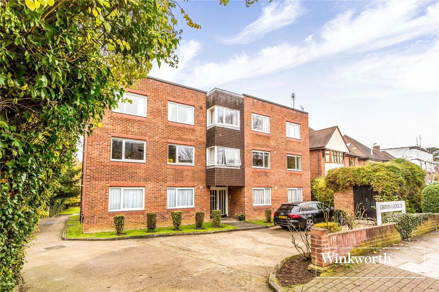 2 Bedrooms Flat for sale in Griffin Lodge, 31 Woodside Avenue, North Finchley, London, N12