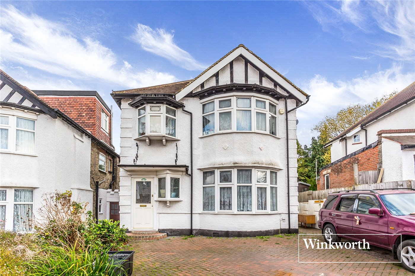 4 Bedrooms Detached House for sale in Courthouse Road, West Finchley, London, N12