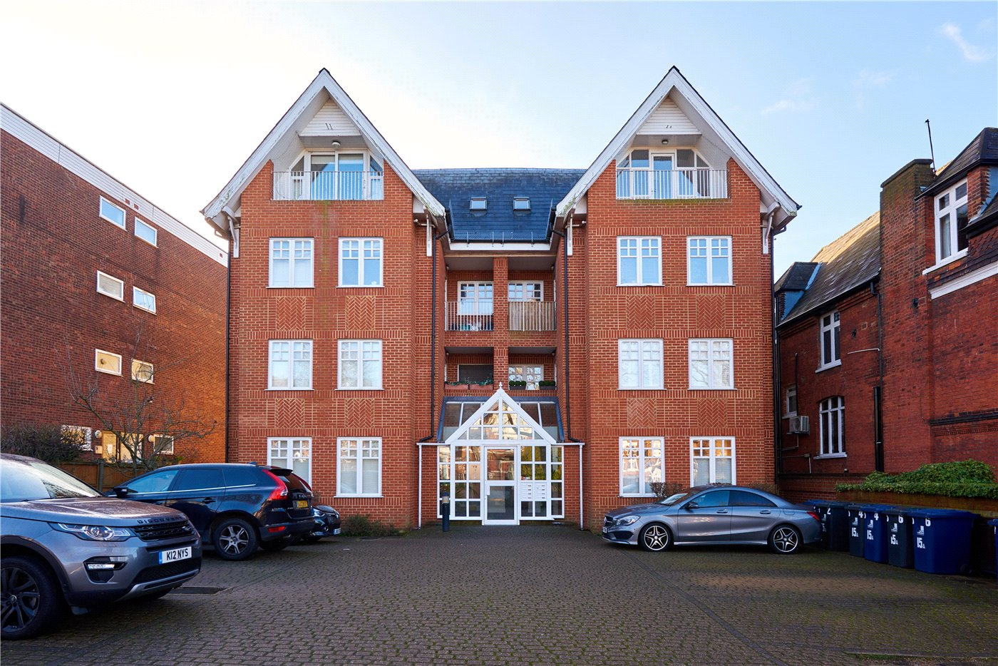 2 Bedrooms Flat for sale in Acantha Court, 15 A Montpelier Road, Ealing, London, W5