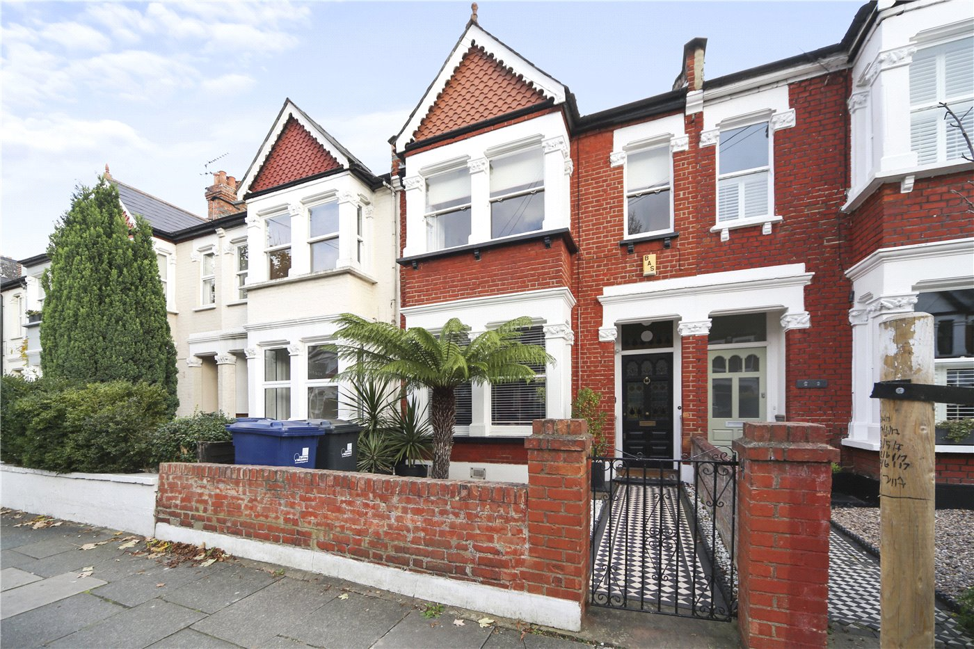 4 Bedrooms Terraced House for sale in Maldon Road, London, W3