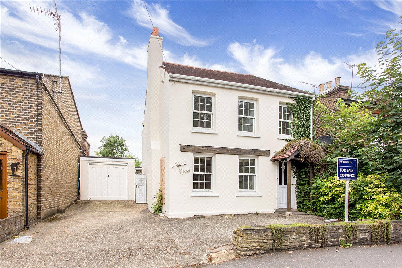 4 Bedrooms Detached House for sale in Bulls Cross, Enfield, Middlesex, EN2