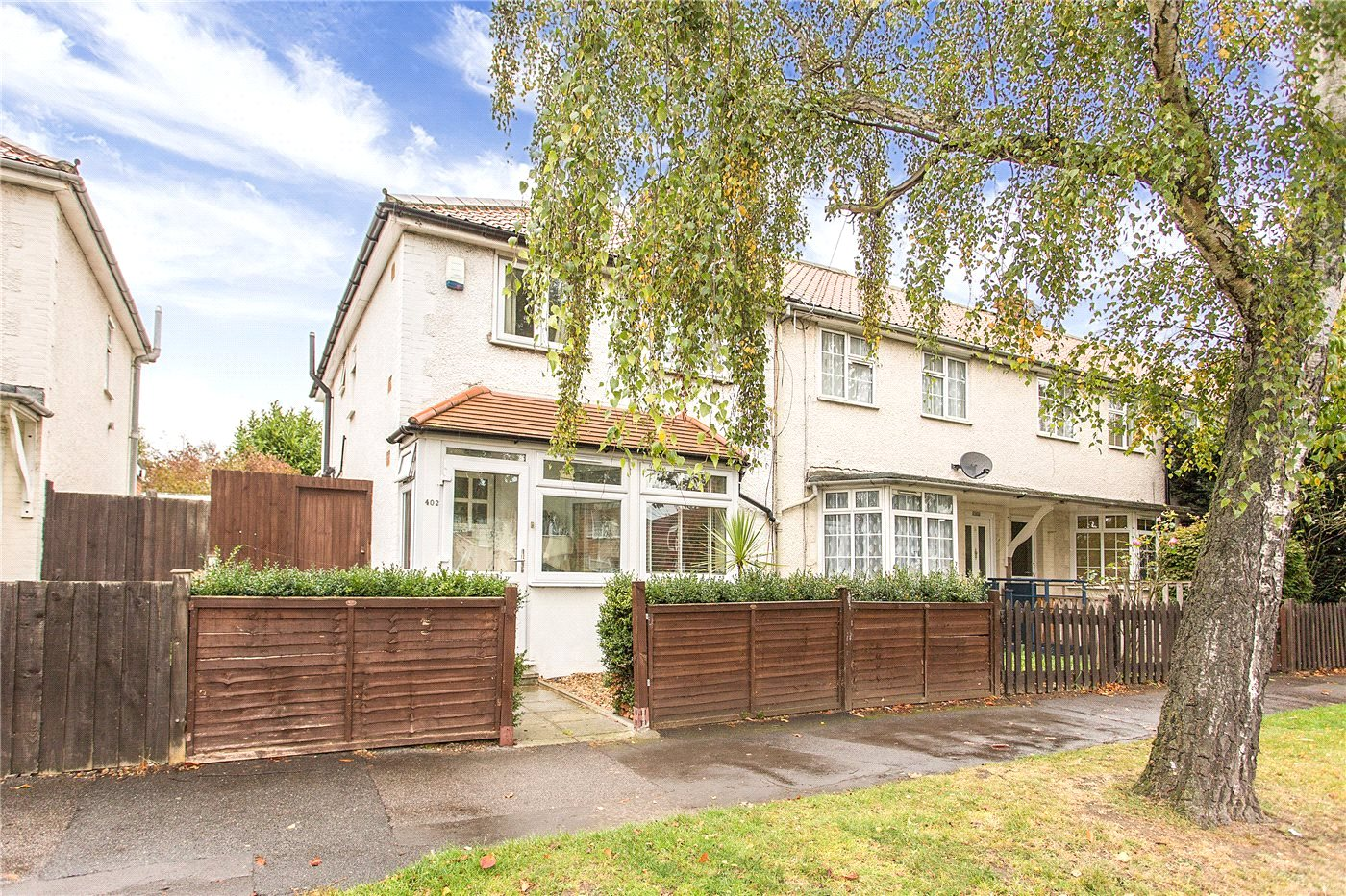 3 Bedrooms End Of Terrace House for sale in Baker Street, Enfield, EN1