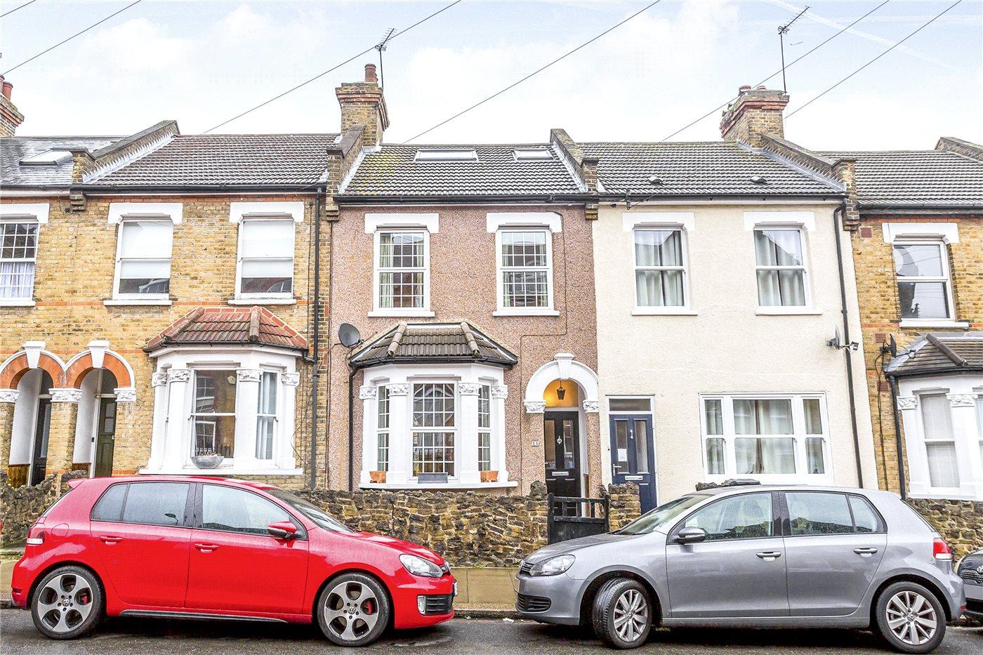 4 Bedrooms Terraced House for sale in Trinity Street, Enfield, EN2