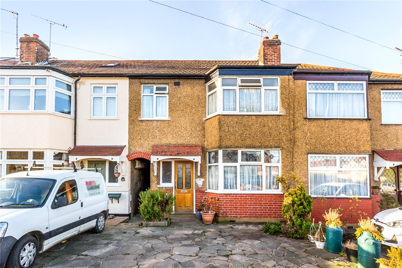 3 Bedrooms Terraced House for sale in Inverness Avenue, Enfield, EN1