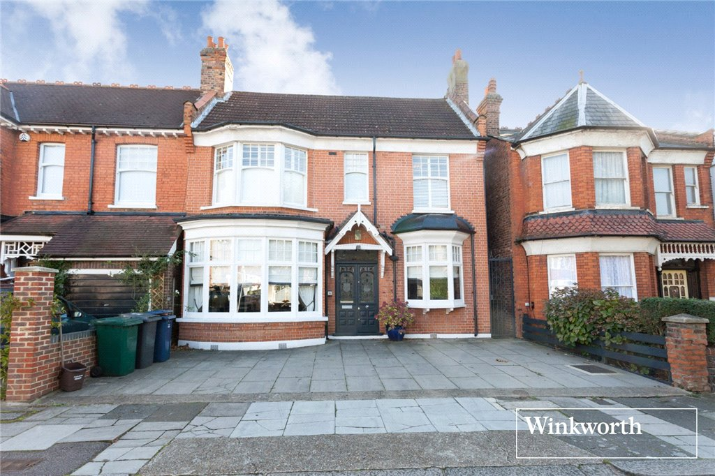 4 Bedrooms Semi Detached House for sale in Dukes Avenue, Finchley, London, N3