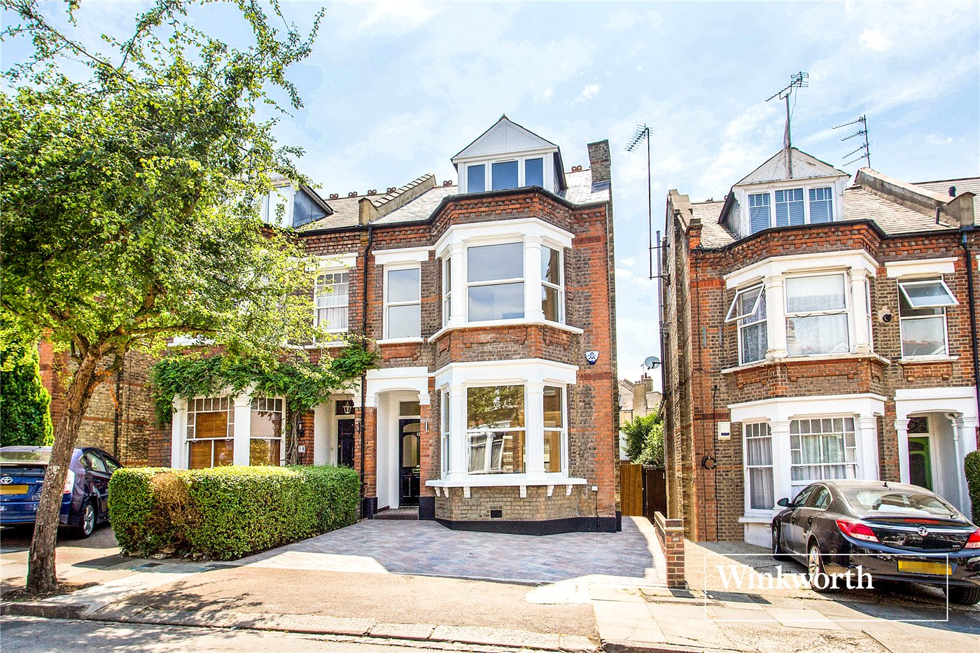 5 Bedrooms Semi Detached House for sale in Mountfield Road, Finchley, London, N3
