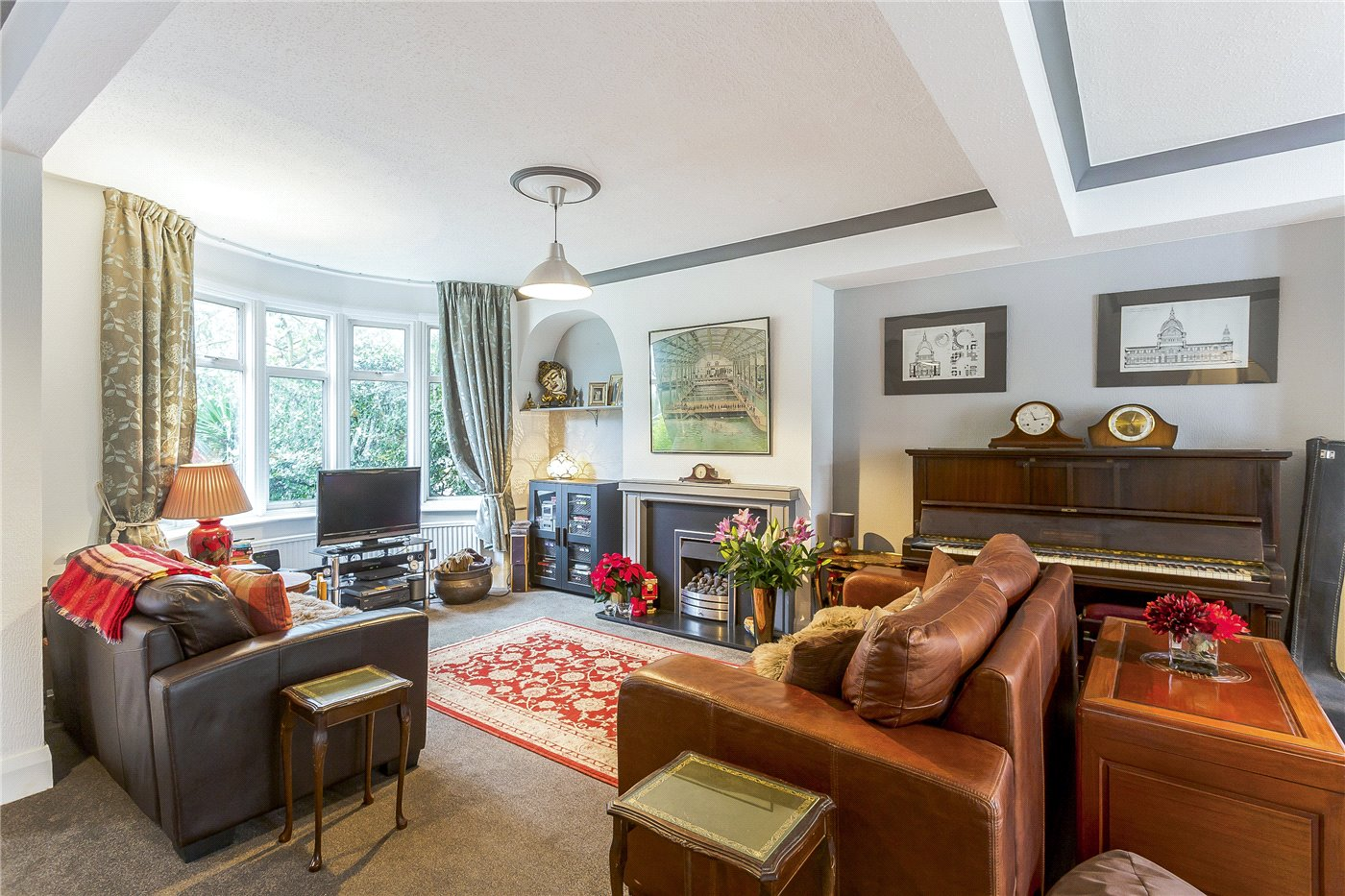 5 Bedrooms Semi Detached House for sale in Buxted Road, North Finchley, London, N12