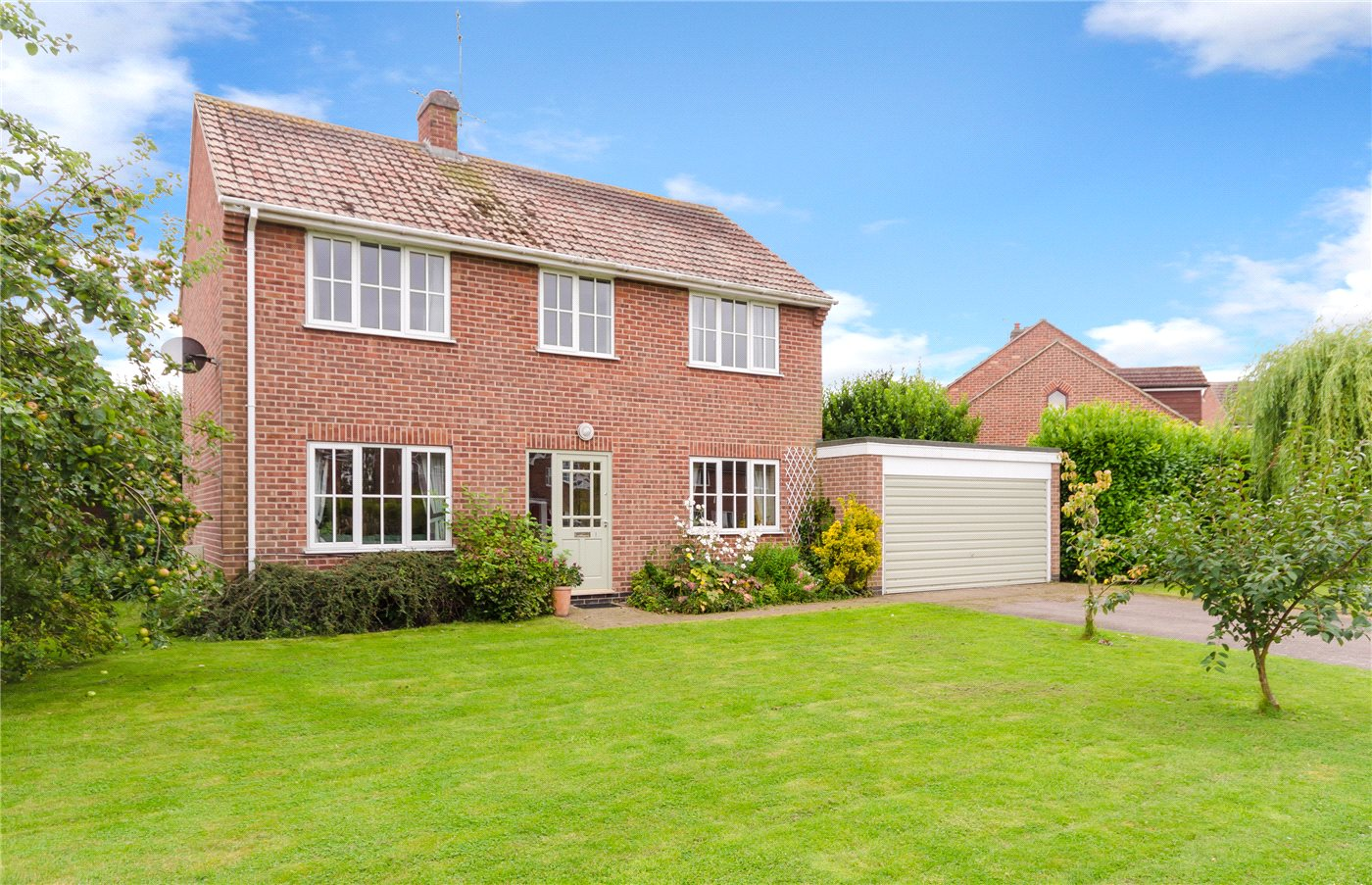 4 Bedrooms Detached House for sale in Meadows Close, Long Bennington, Newark, NG23