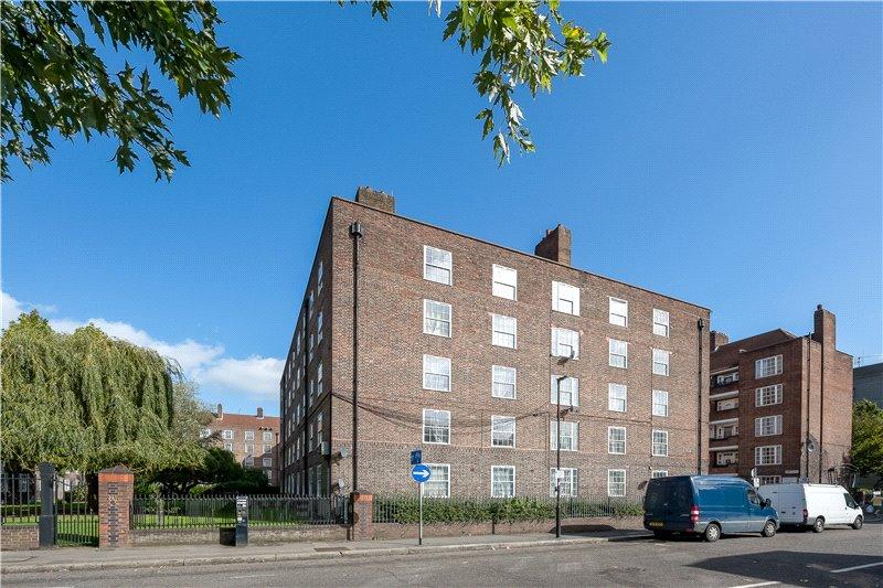 2 Bedrooms Flat for sale in Santley House, Frazier Street, Waterloo, London, SE1